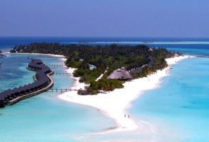 hundreds-of-tourists-are-still-stranded-in-the-maldives,-an-island-nation-known-for-its-luxury-resorts