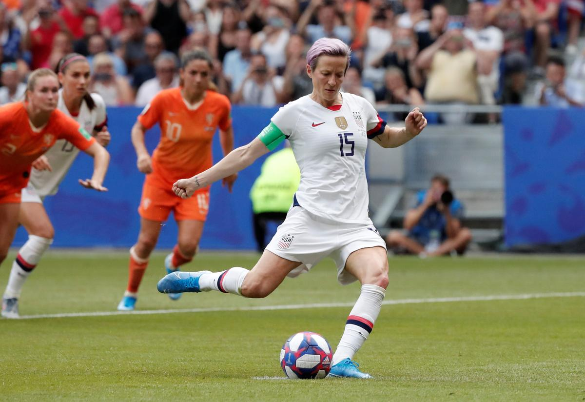 us.-soccer-scores-victory-in-equal-pay-suit-with-women's-team-players