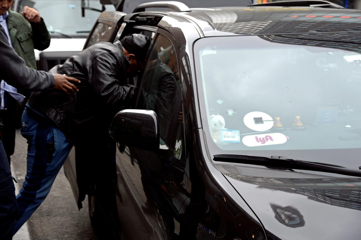 uber-must-face-lawsuit-claiming-it-stifled-competition,-drove-out-rival-sidecar