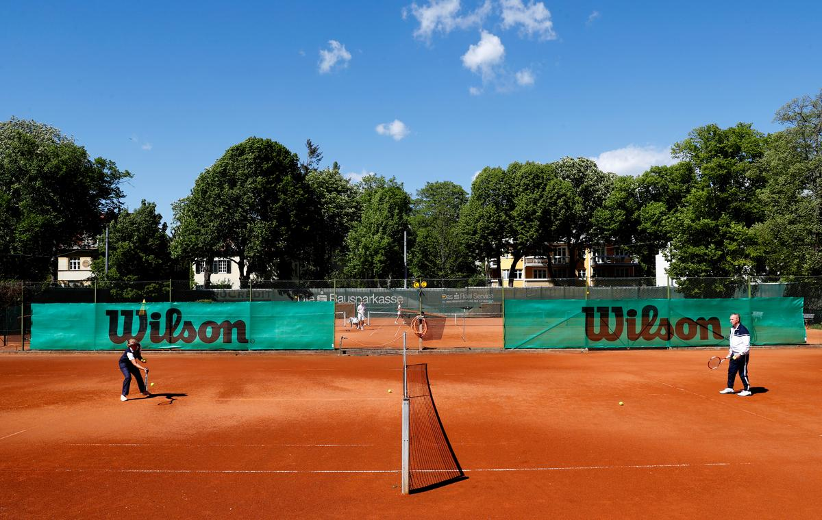 singles-only-and-don't-shake-on-it:-austrians-return-to-the-tennis-court