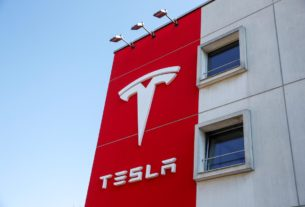 tesla-applies-to-become-uk-electricity-provider:-the-telegraph