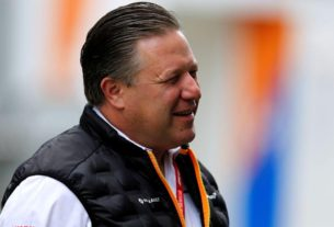 mclaren-boss-expects-to-'hit-a-glitch'-in-f1-season-plans
