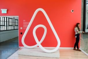 airbnb-to-lay-off-1,900-employees:-sources