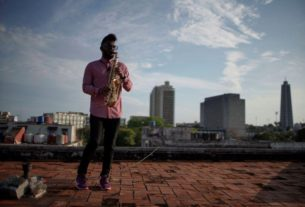 cuba's-artists-make-music-and-dance-on-rooftops-during-lockdown
