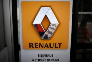 breakout-time-behind-plexiglass:-renault-factory-restarts-in-france