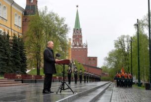 russia's-putin-urges-unity-as-he-presides-over-slimmed-down-victory-day