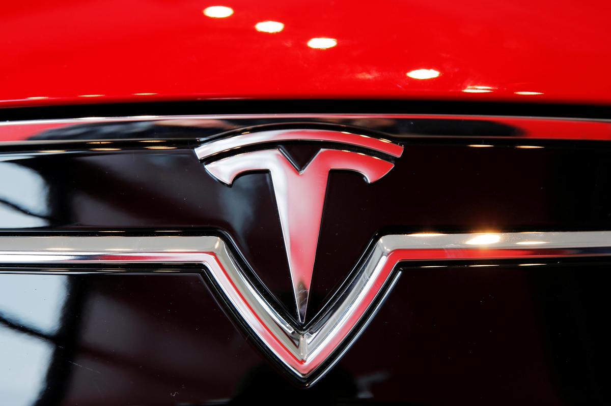 tesla-has-not-received-'green-light'-to-resume-production:-california-county-health-official