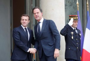 french,-dutch-join-forces-to-urge-eu-to-show-teeth-on-trade