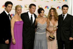 delayed-'friends'-reunion-holding-out-for-live-audience-over-remote-event