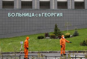 russia-examines-ventilator-type-sent-to-us.-after-fires-kill-six