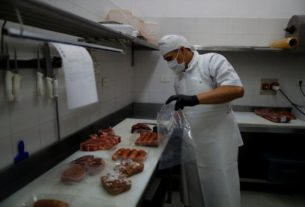 argentina's-famed-steakhouses-adapt-to-life-under-lockdown