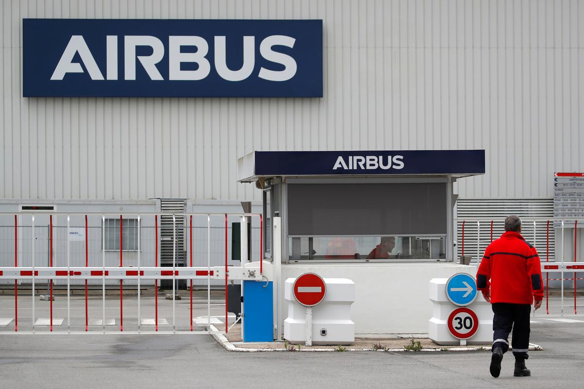airbus-examining-restructuring-including-job-cuts:-sources