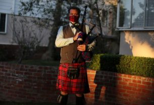 bagpiper-plays-'amazing-grace'-on-california-beach-to-remember-coronavirus-victims