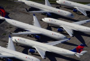 delta,-others-wrestle-with-too-many-planes,-too-many-pilots