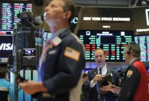 investors-prepare-for-more-us.-stock-swings-as-states-reopen