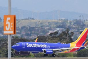 southwest-memo-says-it-will-not-deny-boarding-if-customers-don't-wear-masks