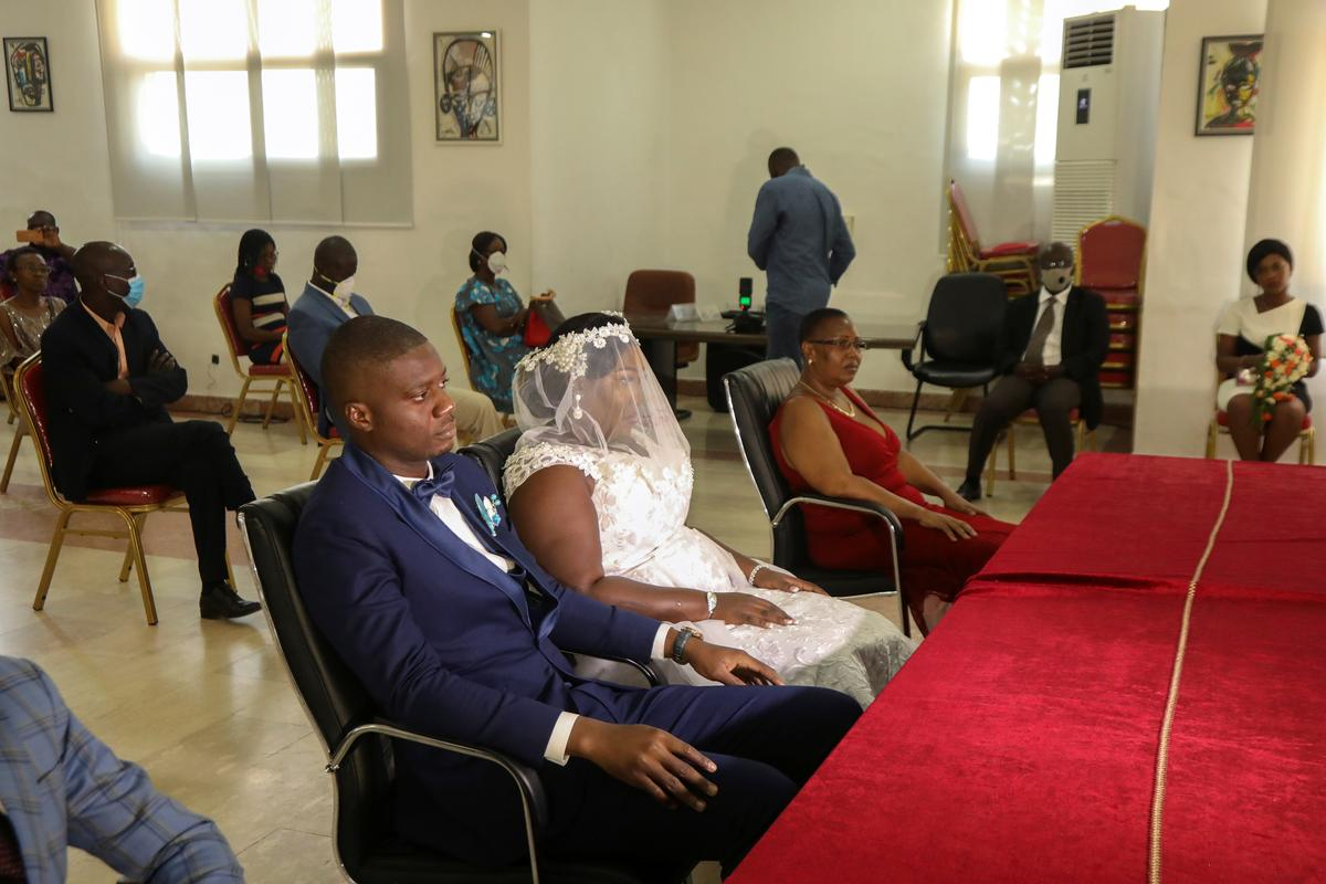 couple-rushes-to-send-last-minute-wedding-invites-as-ivory-coast-eases-lockdown