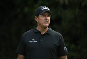 mickelson-relishes-chance-to-take-down-tiger-at-his-own-course