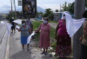 as-hunger-spreads-under-lockdown,-guatemalans-and-salvadorans-raise-white-flag