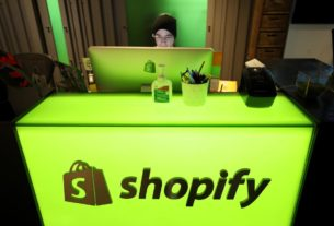 canada's-shopify-ceo-says-era-of-'office-centricity-is-over;-most-staff-to-permanently-work-from-home