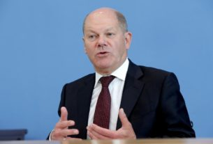 germany's-scholz:-lufthansa-rescue-package-should-yield-'small-profit'-for-state