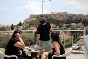 greece-reopens-cafes,-restaurants-as-summer-season-nears