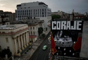 'corona-town':-cuban-graffiti-depicts-anguish,-urges-courage