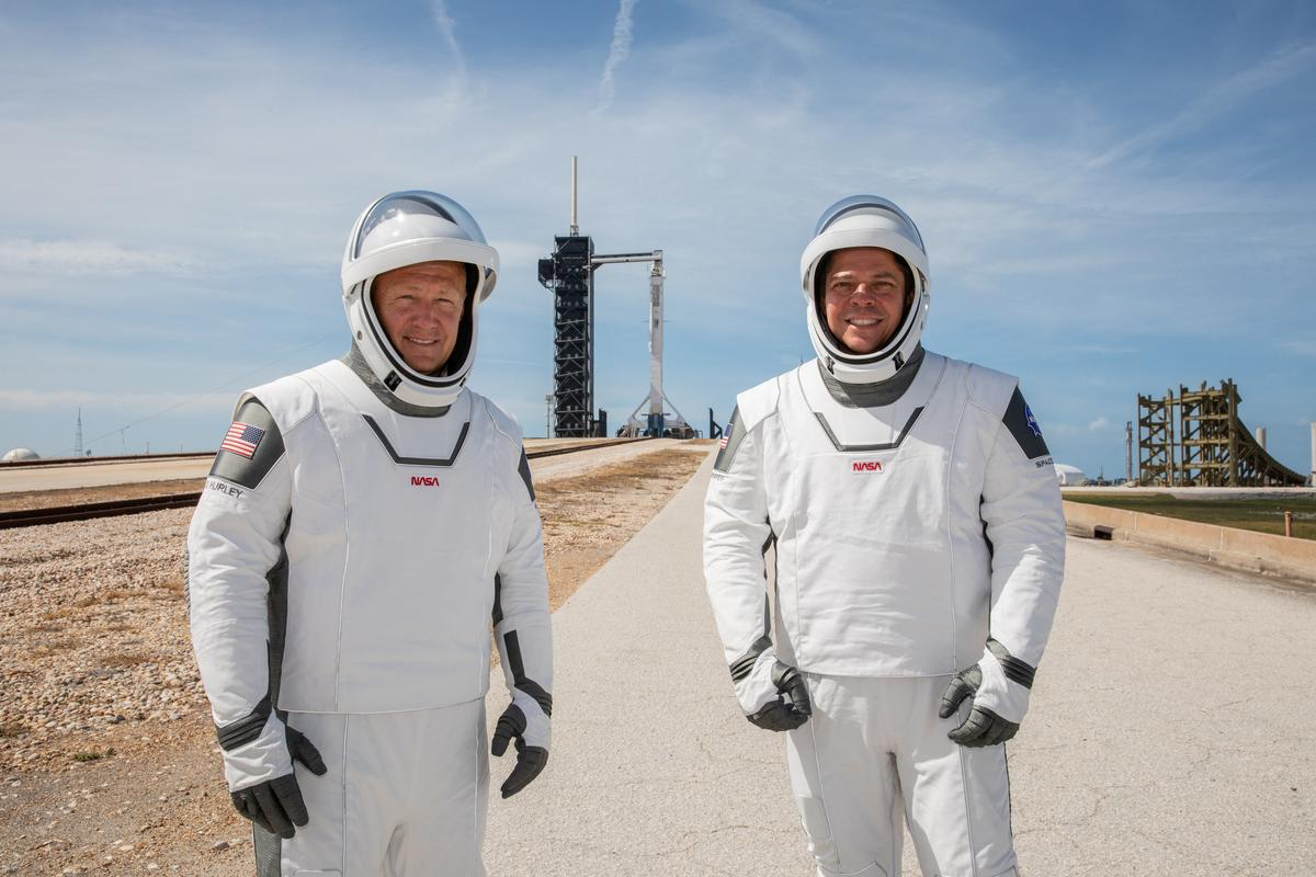 musk's-spacex-set-for-debut-astronaut-mission,-renewing-nasa's-crewed-launch-program