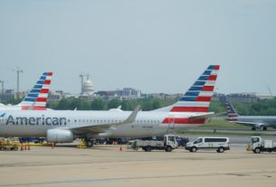 american-airlines-ceo-quells-us.-bankruptcy-talk,-says-demand-improving