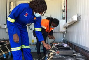 electric-motorbike-gives-women-in-rural-zimbabwe-a-path-out-of-poverty