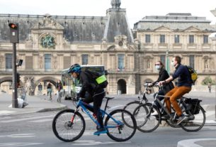 france's-louvre-museum-to-reopen-july-6,-versailles-june-6
