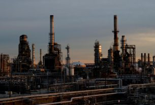 sale-of-shut-philly-refinery-to-real-estate-developer-delayed