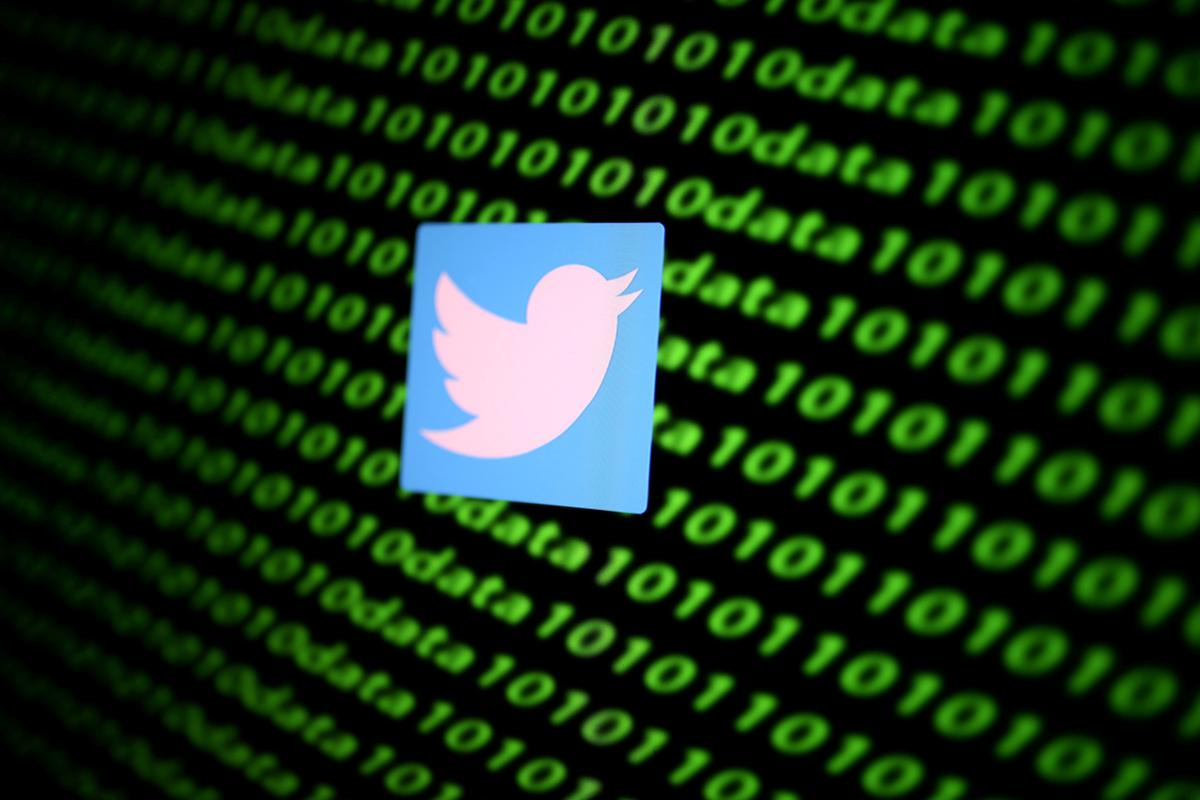 with-fact-checks,-twitter-takes-on-a-new-kind-of-task