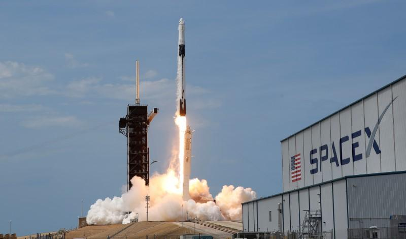 russia-applauds-spacex-launch-but-calls-trump's-reaction-'hysteria'