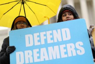 factbox:-who-are-immigrant-'dreamers'-and-why-is-their-fate-tied-to-the-us.-supreme-court?