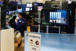 us.-stocks-gain-as-signs-of-recovery-offset-protests,-economic-worries