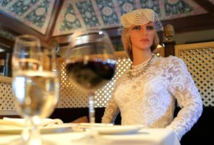 glamorous-dummies-enforce-pandemic-safety-at-michelin-starred-virginia-restaurant