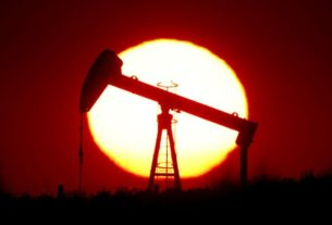 oil-hovers-below-$40-as-doubts-emerge-over-next-step-on-opec-cuts