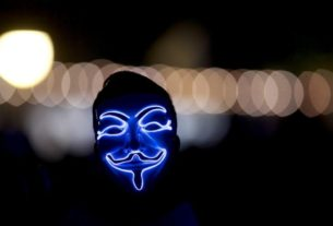 hackers-and-hucksters-reinvigorate-'anonymous'-brand-amid-protests