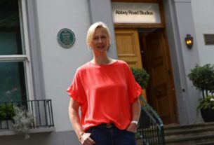 get-back!-abbey-road-studios-reopen-after-covid-hiatus