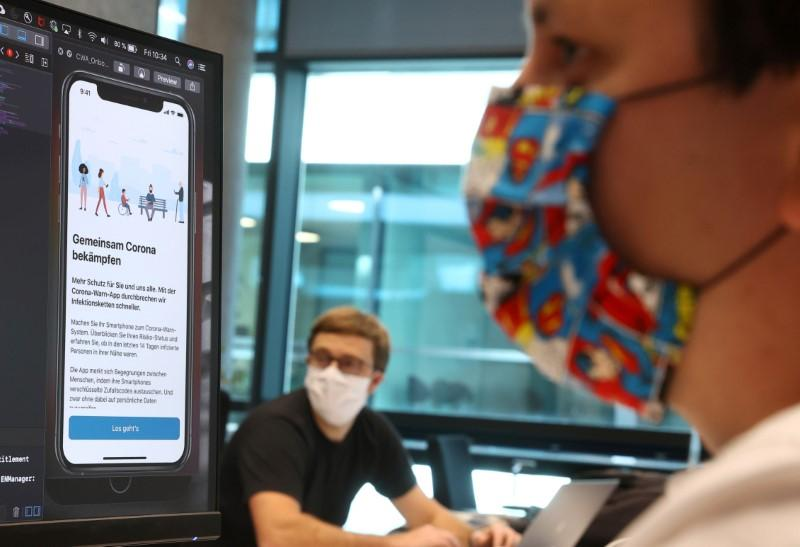europe-pins-hopes-on-smarter-coronavirus-contact-tracing-apps
