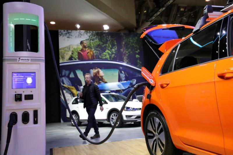 germany-rebuffs-gasoline-auto-lobby-with-radical-electric-plan