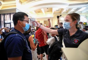us.-coronavirus-deaths-top-110,000-as-cases-approach-2-million:-reuters-tally