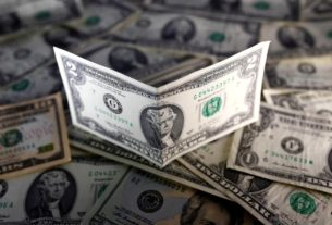 dollar-sinks-to-three-month-lows-as-fed-keeps-easing-policy