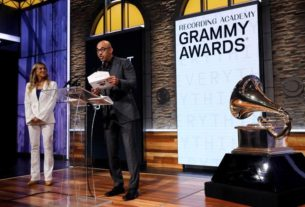 grammy-awards-organizers-tighten-conflict-of-interest-rules,-say-show-to-go-ahead-in-january