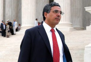 white-house's-top-lawyer-at-the-supreme-court-to-resign