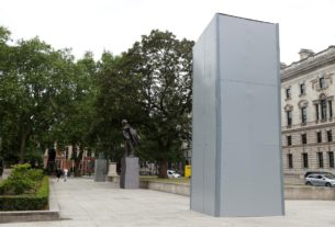 churchill-statue-boarded-up-ahead-of-expected-uk-protests-on-saturday