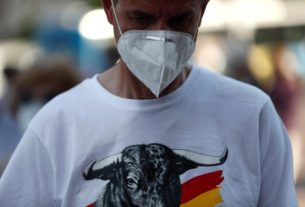 'we-are-culture',-spain's-bullfight-fans-chant,-seeking-aid-during-pandemic