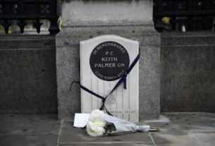 man-arrested-for-urinating-on-memorial-during-london-protest