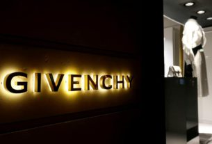 france's-givenchy-names-matthew-williams-as-new-designer